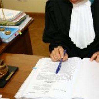 Судебное разбирательство по поводу деления участка и дома между несколькими собственниками